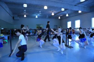 American Repertory Ballet Artistic Director Douglas Martin teaching class at Princeton Ballet School's Summer Intensive program 2014. Credit: Leighton Chen